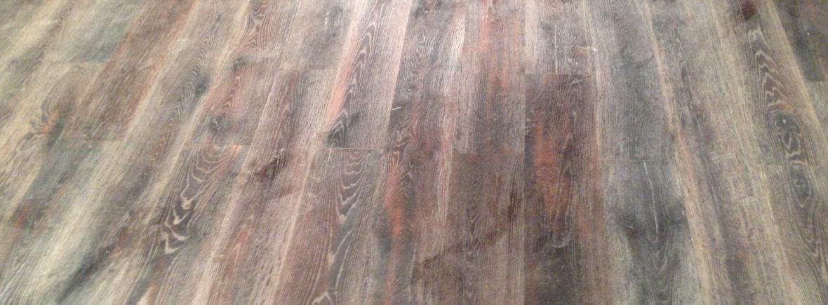 Echtholzboden gebrannt und gebürstet